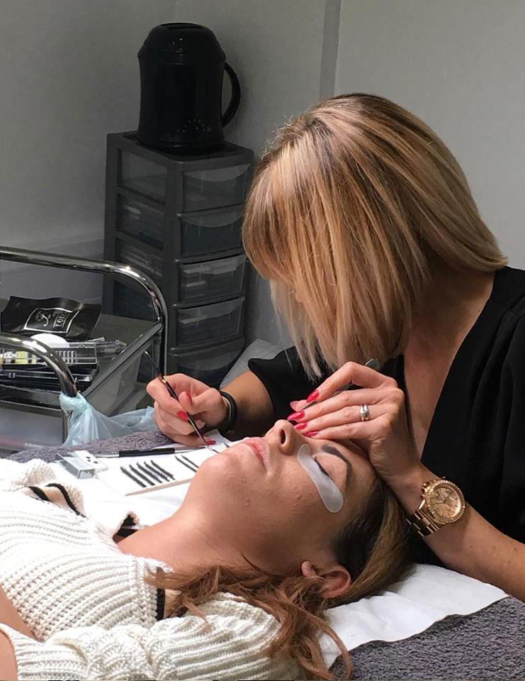 1-1 Master Eye Lash Training